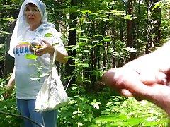 مادر بزرگ خوب در جنگل