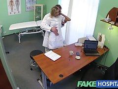 fakehospital پرستار جدید رینگ راه خود را به جمع آوری