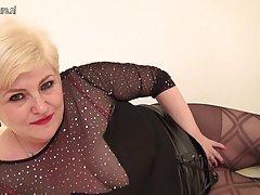 Mutter آلمان با تامپون داخل مهبل