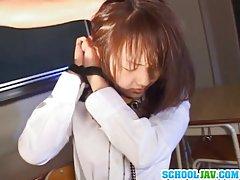 دختر مدرسه ای ژاپنی زیر کلیک سخت
