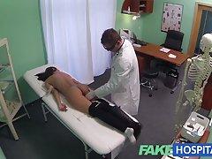 fakehospital زن جوان با قاتل بدن گرفتار در دوربین g