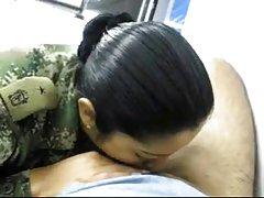سرباز مکیدن زن نظامی