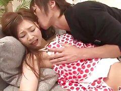 Suzuka ایشیکاوا با دیک بزرگ در او فریاد می زند