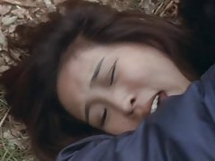 دختر داغ لعنتی در جنگل سخت