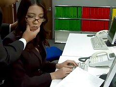 دفتر ibuki شخص ساده و معصوم خود pussy shaved طعنه در کار است