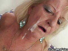 فیلم دو مهمانی بچه boozed مادر بزرگ بلوند