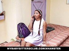 Mybabysittersclub - بچه نگهدار جوان زیر کلیک و یا اخراج