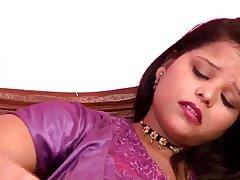 داغ busty n.indian aunty عرب لغزش نوک پستان