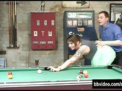 Busty milf در آلمان فیلم روی میز بیلیارد