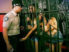 Jailhouse خروس با gabby quinteros