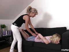 مادر آموزش ترفندهای نوجوان lezzy