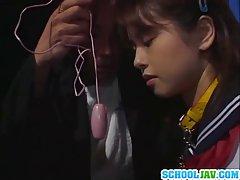 تقدیر در چهره ژاپن دختر مدرسه ای
